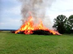 Dětský den a pálení ohňů v Uhlířské Lhotě 5.6.2021