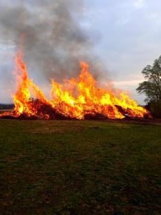 Pálení ohňů v Uhlířské Lhotě 27.4.2019